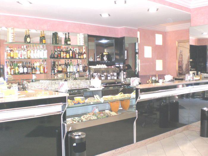 Banchi bar calbria compra in fabbrica banconi bar for Banco bar moderno